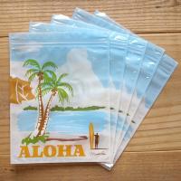 ハワイ柄の簡易チャック袋が登場です。  旅行時のヘアケアアイテム入れやお土産用のラッピングにピッタリ...