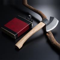 """土佐の大変腕の良い""""ほんまもん""""の鉈鍛冶が、鍛造火造りした、最高級の『極上』山型枝打鉈です。 均一な..."""