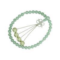 ・すべての宗派でお使い頂ける女性用略式数珠です。 ・淡く美しい緑色の印度翡翠は年齢問わずお使いいただ...