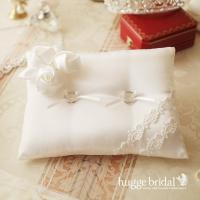 挙式のときに、お二人の指輪をのせておく…、 リングピローは、結婚式にはかかせない大切なウェディングア...