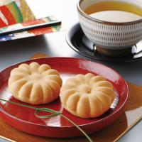 兵庫県花「のじぎく」にちなんだ兵庫県の代表的銘菓です。地元産の鶏卵、北海道産の練乳をふんだんに使い、...