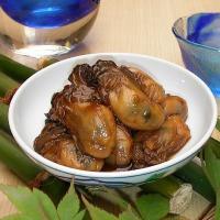 兵庫県相生産の一年珠牡蠣を使用し、かき本来の味を大切にする為に、調味料には「砂糖・醤油・酒・生姜」だ...