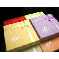 激安!ブレスレット用化粧箱です。プレゼント包装などに喜ばれます。 ※薔薇の柄はついていない場合もござ...