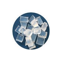 電子レンジで溶ける透明石けん素地。精油、ハーブ、フィギュア等を入れてオリジナル石けんが簡単に作れます...