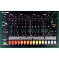 リズム・マシンの名器TR-808/TR-909を精密にモデリングしながらも、ライブでのパフォーマンス...