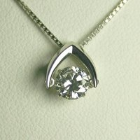 1.0ctupのダイヤモンドネックレス。話題の揺れるダイヤモンド【ダンシングストーン】。【Dカラー ...