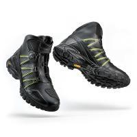 BOAクロージャーシステムを採用したライディングシューズです。 BOAクロージャーシステムとは、靴ひ...