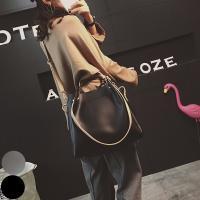 バッグinバッグで使い方様々☆ 大容量で使い勝手のよいカジュアルバッグ☆ シンプルなディテールでデイ...