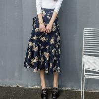 存在感のある花柄スカートがオシャレなディテール☆ 大柄でシンプルなトップスと合わせたいディテール☆ ...