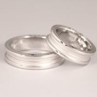 ブランド :close to me 素  材 :シルバー925/ブルーダイヤモンド リングサイズ:9...