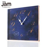 本が壁にかかっている?と、思わず2度見したくなるトリックアート的な時計。 本をモチーフにシックな色合...