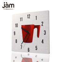 印象的な赤いカップを中心に置いたファブリック掛け時計です。 あえて1つだけ置かれたカップがいろいろな...