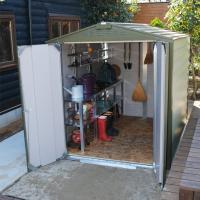英国製の屋外収納庫TM1は自転車置き場に、ゴミ置き場に、バイクガレージにもなる大型物置。倉庫