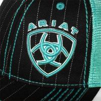 Ariat アリアットのロゴ入りメッシュキャップ ブラック&ブルー CAP784