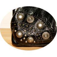 アナスイ【ANNA SUI】がま口付きブラックのお財布!お勧めのデザインです。ポケット14ヶ!!