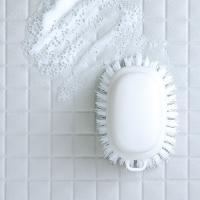 マーナ お風呂のブラシ  きれいに暮らす バスブラシ 床洗い ブラシ ホワイト グレー シンプル お風呂 ブラシ おしゃれ 床用 タイル洗い お掃除 大掃除 たわし