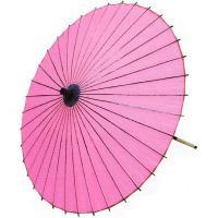 日本舞踊や歌舞伎で使われるピンクの紙舞傘です。中国製舞傘ですが、お値段の割りに丁寧な仕上がりで、軽く...