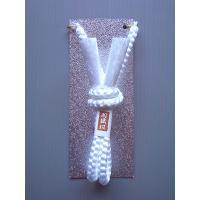 レーヨン素材の丸組み一重結びの男物羽織紐(白)です。慶事の礼装用、公の式典の席などにお使いください。...