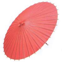 舞踊練習用・イベント用の赤い紙傘です。中国製舞傘ですが、親骨の天側を茜に染め、赤の飾り糸・繋ぎ糸を付...