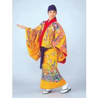 極彩色な琉球舞踊衣装です。琉球紅型染を模った南国特有の色使いは、目にしみるほど鮮やかです。黄色を背景...