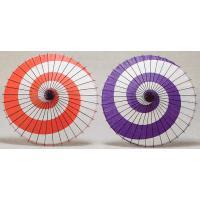 日舞や歌舞伎などで使われる紙舞傘です。目を引く渦巻き模様は、動きの激しい躍動的な踊りにピッタリです。...