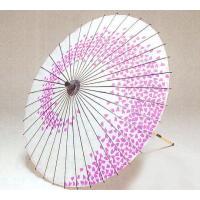 日舞や歌舞伎などで使われる舞傘です。吹き寄せる桜の花びらをイメージしました。舞傘の柄は、収納性の良い...