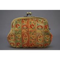 京都を代表する伝統工芸の西陣織。名物裂は大名、茶人により大切に扱われてきた染色品です。正絹により繊細...