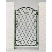 人にやすらぎを与える『森林』をイメージしたデザインが、庭の緑や街並みに美しく調和するアルミ鋳物門扉で...