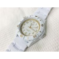 日本製ムーブメント使用のスポーツタイプの10気圧防水腕時計です。  シンプルな仕上がり。  ビジネス...