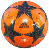 アディダス、サッカーボール5号球。 UEFAチャンピオンズリーグ2016-2017のグループリーグ大...