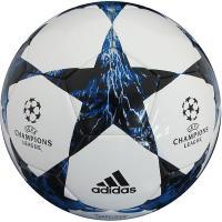アディダス、サッカーボール5号球。 UEFAチャンピオンズリーグ2017-2018のグループリーグ大...