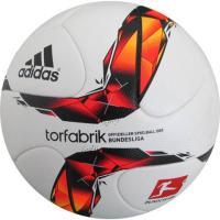 アディダス、ドイツブンデスリーガ2015-2016で使用される公式試合球。 ◆国際公認球(FIFA ...
