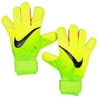 ナイキ、GKグローブ。 ボールコントロール性を高める為、親指、人差し指、小指と3本の指部にコンタクト...