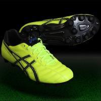 アシックス、サッカースパイク 耐久性が向上した「DS LIGHT」のエントリーモデル。履き口周りに耐...