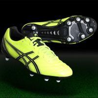 アシックス、サッカースパイク。 前足部は広く、中足部からかかと部にかけてしっかりホールドするワイド設...