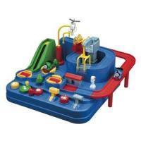 「トーマス レッツゴー大冒険」は電池を使わずに楽しく遊べる。回す、押す、引くの動きでトーマスたちと大...