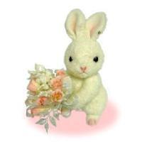 花束を持ったかわいいウサギのぬいぐるみです。つぶらな瞳がとってもキュート♪ウェディングはもちろん、色...