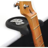 ただの平らな場所をギターレストに変えてしまうアイデア商品です。使い方は簡単で、平らな面の端にPW-G...