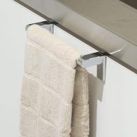 シンプルモダンを追求したタオル掛け。簡単にキッチンシンク下の扉へ取り付けられるタオル干しです。扉の厚...