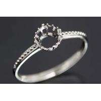 アームにダイヤも入ってませんがデザインが美しい4本爪の小さな王冠型リング。  この枠にはラウンド直径...