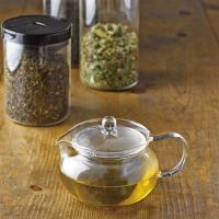 ・持ちやすい丸型のツマミ。 ・取り外しができ、お茶の葉が広がりやすい大きな茶こし。 ・広口だから、中...