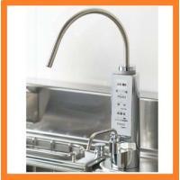 本体をシンク下に収納。キッチンすっきり、ひろびろ有効活用できます。  ●水の力を引き出す、新開発の電...