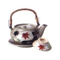 伝統工芸品、四日市萬古焼の土瓶蒸しです。