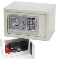 手軽に設置できる小型金庫! 商品情報 設定したお好みの番号(3〜8桁)またはマスターキーで開錠できま...