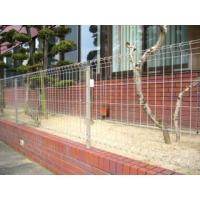 K+フェンス用の支柱です。  自在柱方式で簡単取り付け  別売の本体と組合せて高さ1200mmのフェ...