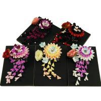 新品 ケース入り 振袖、結婚式など、もちろんドレスの時にもいろいろ使えるお花の髪飾り 着物や帯の柄色...