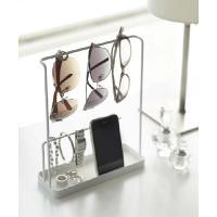 <商品説明> 大きめのサングラスを4つ掛けられるワイドサイズ。時計や指輪などのアクセサリー、携帯電話...