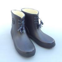 上品なデザインで制服にも合うレインシューズ(長靴) 長期間持続する抗菌・防臭加工の取りはずせる中敷を...