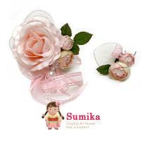 2d1329d0a4fc6 子供着物 浴衣 ドレスに Sumika 女の子用 手作りのアートフラワー髪飾り 淡ピンク、ローズリボン 2点セットSMK345  薔薇の花に、パールビーズとリボンが付いた、春 ...