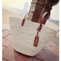 フリーサイズ:42*22*15cm 細いラタンを手編みしたこのバッグは、 見た目は繊細ながら軽くて丈...